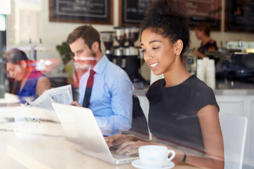 How to Stay Productive When Working from a Coffee Shop