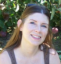 Lisa Lozeau Headshot_Casual