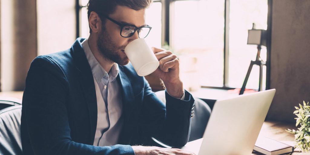 Job seeker checking out companies hiring for flexible schedule jobs.
