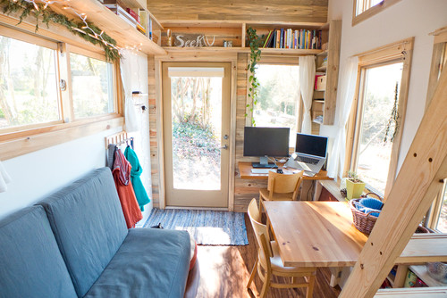 Displaying examples of tiny home offices