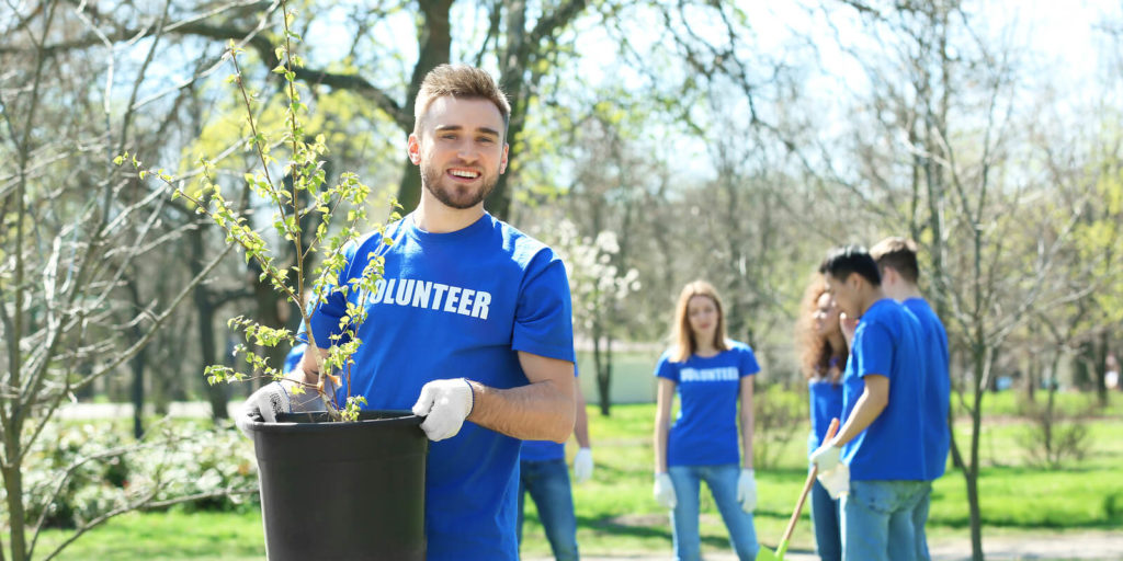 The Benefits of Volunteering After You've Been Laid Off