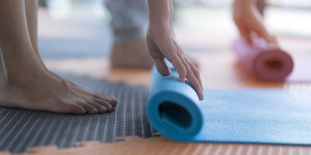 Yoga, one of the great savings for digital nomads