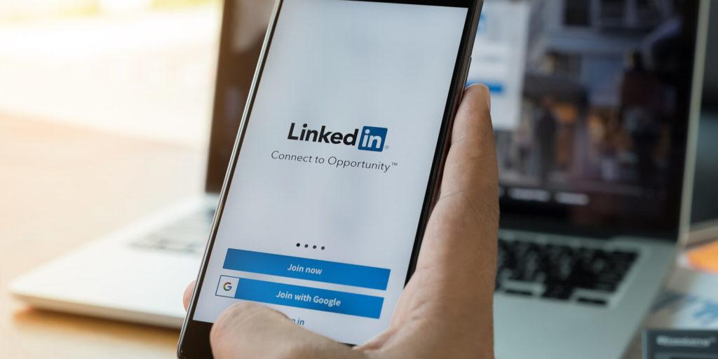 Military spouse using LinkedIn premium